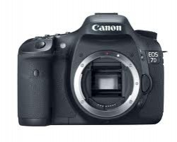 Canon EOS 7D KIT EF-S 18-200mm IS